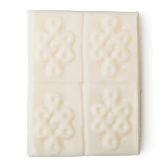 Weißes, würfelförmiges Deo ohne Verpackung