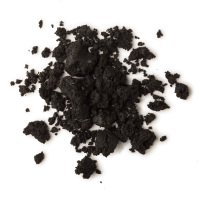 Textura negra de la limpiadora facial y corporal Dark Angels con azúcar negro y carbón para exfoliar y barro de Rhassoul para purificar la piel