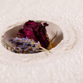 lavender bombshell bath bomb