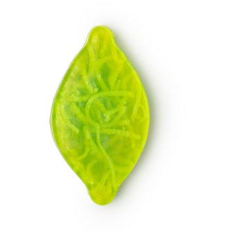 Christmas Citrus é um dos sabonetes de natal com o formato de uma folha verde com limão e bergamota para revitalizar corpo e mente