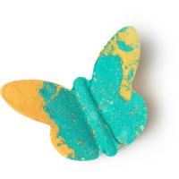 Badebombe in Form eines Schmetterlings in Grün und Gelb