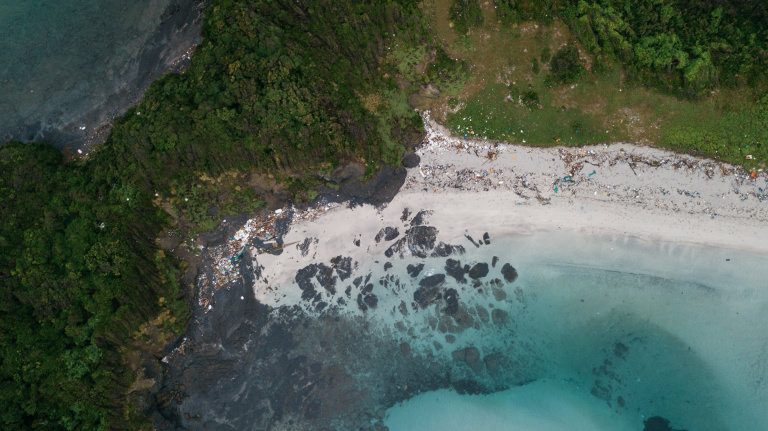 Lush Times「国境の島」対馬にたどり着く国境なき海ごみ