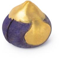 violettes feigenförmiges schaumbad mit goldenem muster