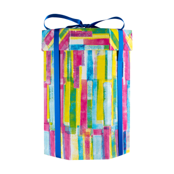 Vista laterale della Confezione regalo Shower Me With Lush con mix di prodotti da doccia