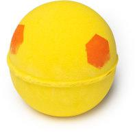Honey I washed the kids é uma bomba de banho doce amarela com pontos laranja