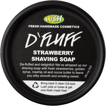 Vista dall'alto della Crema mousse a base di sapone per rasatura o depilazione con fragole fresche e burro di cacao D'Fluff