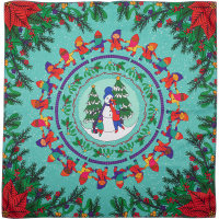green and red gnomes in circular and angular patterns