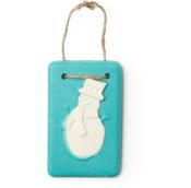 Snowman é um dos óleos de banho exclusivos de natal com a forma de um tablete azul de aroma citrico