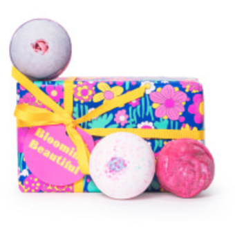 Blooming beautiful caja de regalo con tres bombas de baño lush