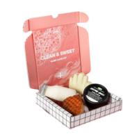 Offene Box mit dem Inhalt des Clean & Sweet Handpflege-Sets