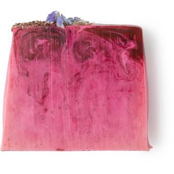 Raspberry Milkshake, eine Seife in cremigen Beerentönen und mit palmölfreier Basis.