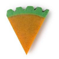 Eine orange Seife in Form einer Karotte