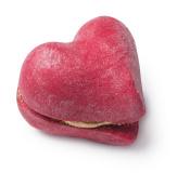 Burbuja de baño Whole Lotta Love hecho con dos corazones rojo pasión