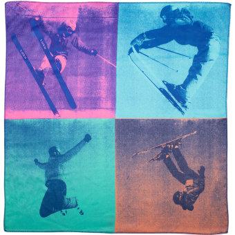 Ein Tuch mit einem springenden Skifahrer vor 4 blauen und grauen Rechtecken