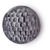 Metamorphosis Badebombe schwarz mit buntem Kern