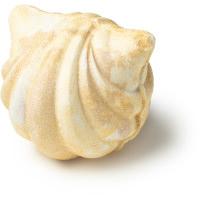 kitsune é uma bomba de banho em forma de búzio cor pérola