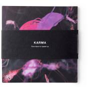 Karma tratamiento spa en Madrid con masaje de cuerpo entero, inspirado en las prácticas ayurvédicas de la India, dos masajistas trabajan en armonía durante 65 minutos.