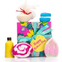 Confezione regalo Happy Mother's Day e i prodotti contenuti al suoi interno.