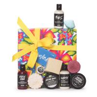 Una caja de regalo con 10 productos para la ducha