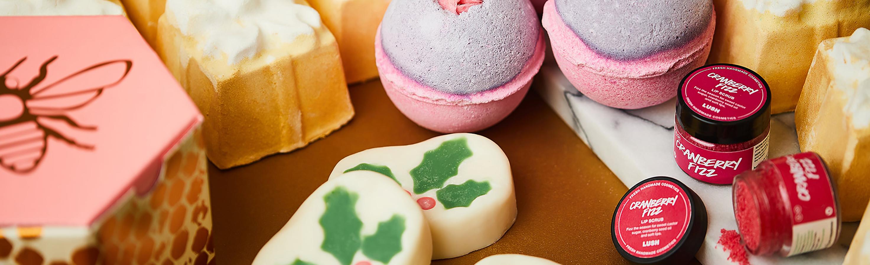 Regali Di Natale Romantici.Natale Romantico Lush Italia