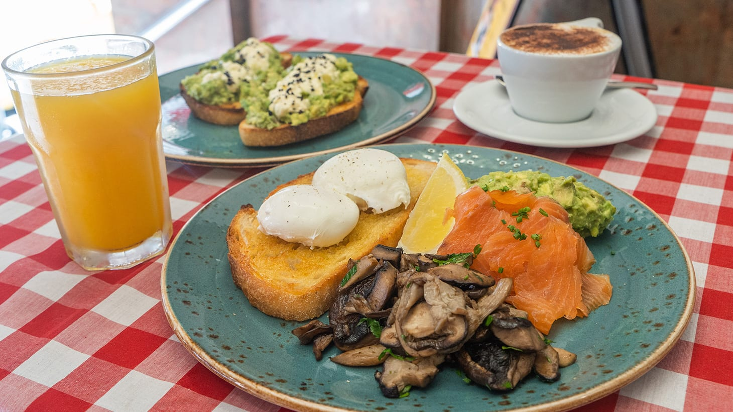 Save up to 52% on Modern Italian-Style Breakfast with Drinks on Flinders Lane - Upgrade to a Two-Course Lunch! Pronto On Flinders Melbourne CBD