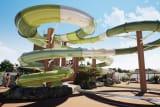 Deux nouveaux toboggans viennent compléter le parc aquatique du camping La Côte Sauvage