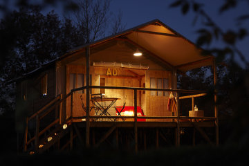 camping lodging le lac lacanau