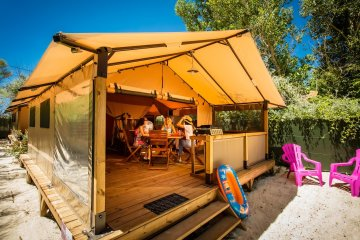 WALIBOU Lodge Confort, about 30m², on stilts, 2 rooms - Californie Plage