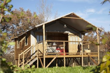 Lodge Cabin 27m² - 2 bedrooms + terrace 12m² - CosyCamp