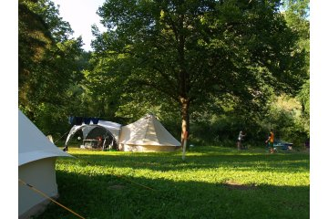 Camping pitch NATURE 100m² - Price for 2 pers. without electricity - CosyCamp