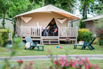 « Canada » TENT on stilts – 4/5-berth. 20m2 – 2 bedrooms - Airotel La Pommeraie de l'Océan