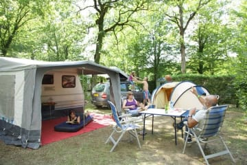 Pitch for a tent, caravan or camping car with electricy - La Bouquerie