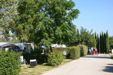 Comfortable Pitch package + Electricity (1 to 6 people) - Les Fontaines