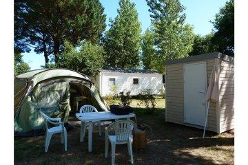 Pitch Premium > 120m² 1 car + electricity + equipment - Manoir de Ker An Poul