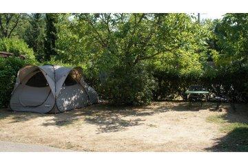 Emplacement Grand Confort Tente Moyenne - Les Cent Chênes