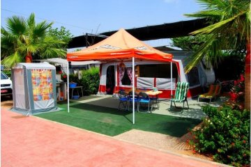 Pitch Oro >85m²: tent / caravan / camping-car + vehicle + electricity - Torre la Sal 2