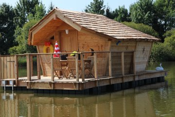 Wooden cabin CALLIANDRE (2 adults + 3 children) - 120 ft² / 1 bedroom - Village Flottant de Pressac