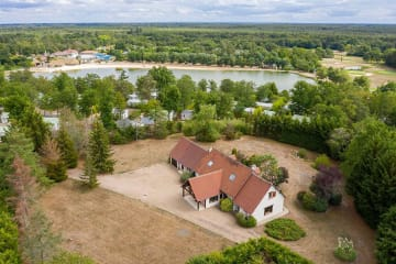 Villa 5 chambres - 2 salles de bain - climatisation **** - Les Alicourts Resort