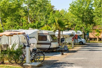 Standard Pitch for caravan, tent or motorhome + car + electricity 16A - Les Sablons