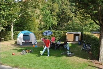 PREMIUM PITCH FOR TENT - with  electricity: 16 A - 2 pers - - La Garangeoire