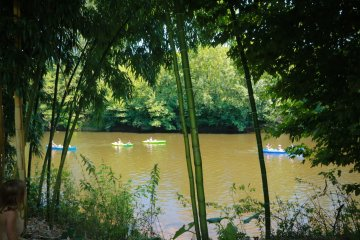 CAMPING PITCH AT THE RIVER SIDE - Le Paradis
