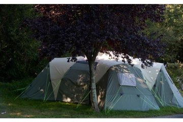 Premium pitch + Shelter /shed - Electricity 16A - Water - Drainage point - Le Ruisseau