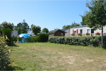Camping pitch 85-100m² with package VIP - Acapulco