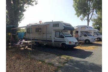 Emplacement 35m² camping-car (sur le parking) - Acapulco