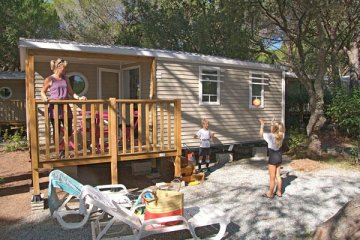 Mobil-home STRELIZIA  27m² - 2 chambres/Terrasse intégrée - La Baume