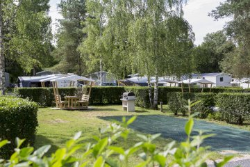 Package PREMIUM : pitch 150m², caravan, camping-car or tent, electricity 10A, water and drainage ... - Parc du Val de Loire