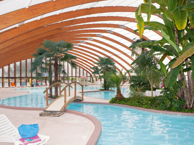 The Aquadome of campsite Le Port de Plaisance
