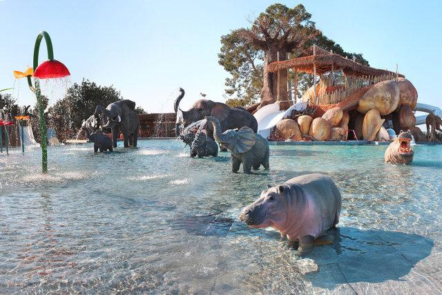 The aquatic park of the Camping & Resort Sangulí Salou campsite (Salou)