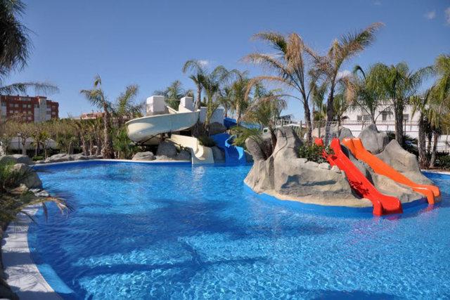 The aquatic park of the La Siesta Salou Resort & Camping campsite (Salou)