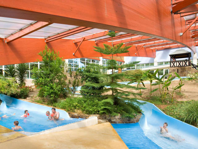 Le parc aquatique tropical du camping Lez Eaux